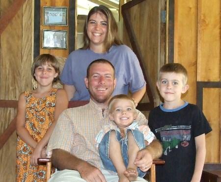 family_pic_2008.JPG